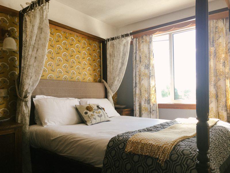 inn_bedroom-1